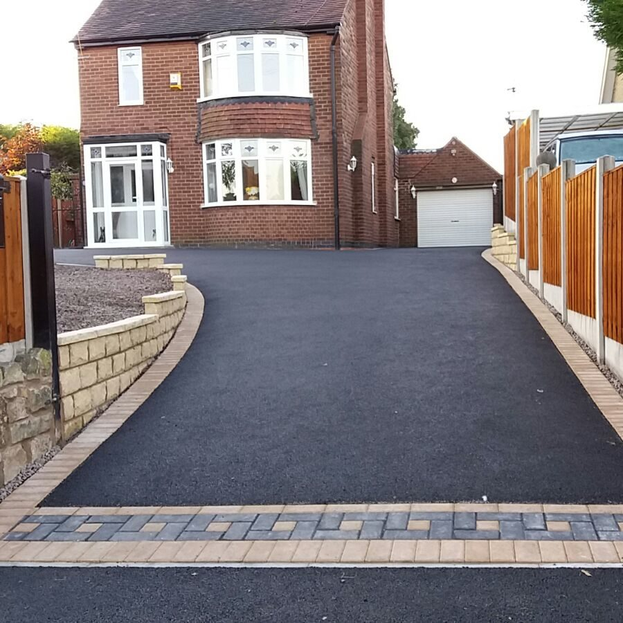 Image shows work completed by Copek Resin Bound and Aggregates and Surfacing on a tarmac driveway in Kent