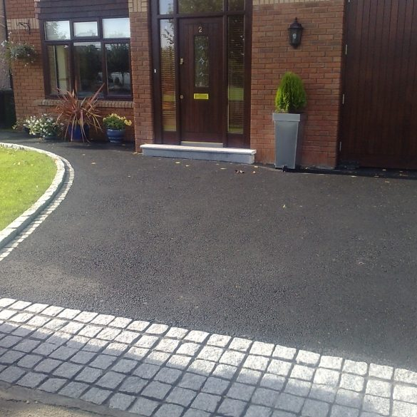 Copek Resin Bound Aggregates and Surfacing specialise in tarmac driveways